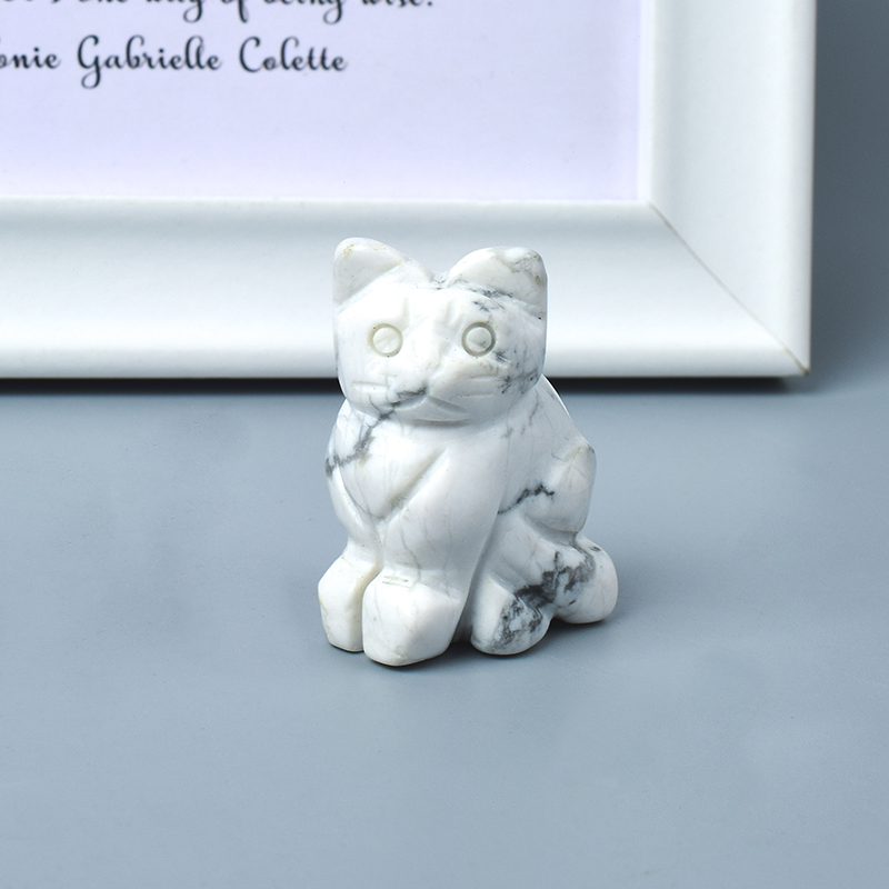 Hand Carved Natural White Turquoise Crystal Small Cat Figurines Gemstone Craft